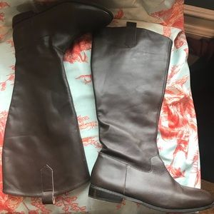 Hit in Hollywood  wide calf equestrian boot 8.5